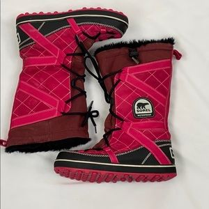 Sorel Pink & Black Glacy Explorer Winter Snowboot